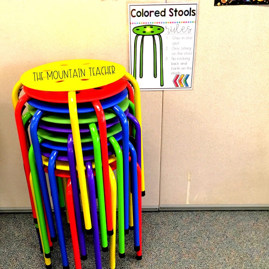 Partially flexible seating colored stools
